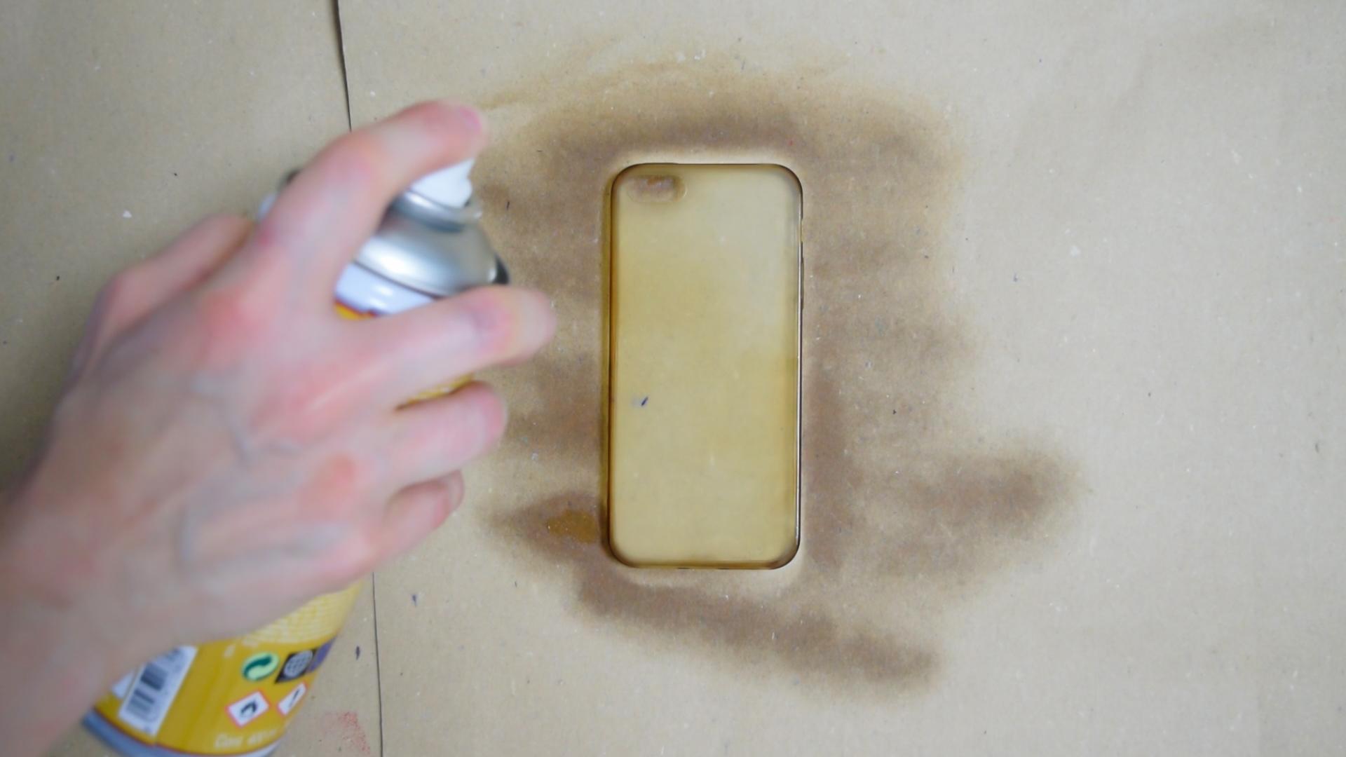 Paint a Silicone Phone Case - Novasol