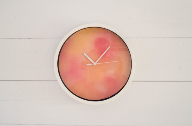 diy watercolour clock with spray paint