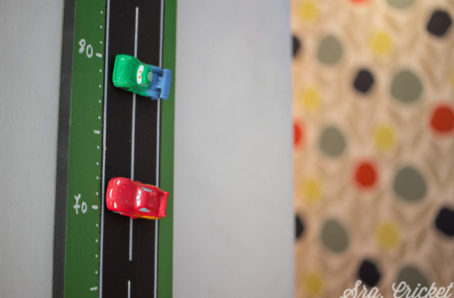 DIY vertical magnetic car track