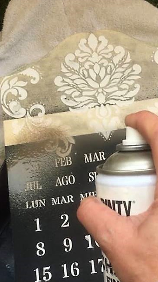 spray paint perpetual calendar