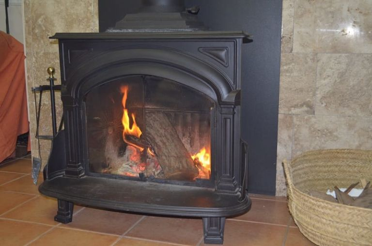 wood burning stove pipe sprayed with high temperature paint